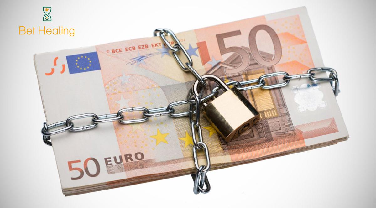 denaro-con-lucchetto